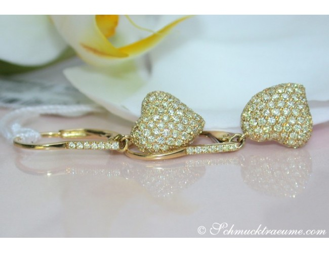 Classy Diamonds Heart Earrings in Yellow gold 18k