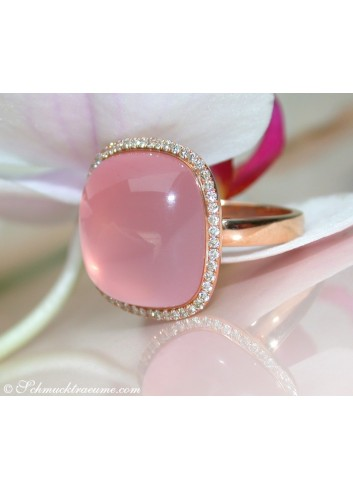 Magnificent Rose Quartz Diamond Ring