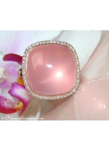 Magnificent Rose Quartz Diamond Ring