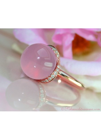 Enchanting Rose Quartz Diamond Ring