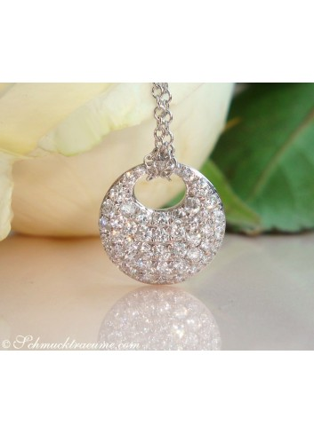 Pretty Diamond Pendant incl. Chain