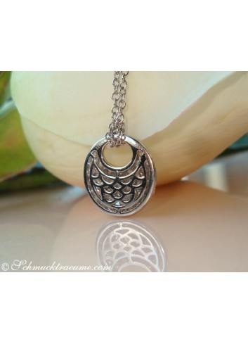 Pretty Diamond Pendant incl. Chain