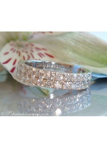 Precious Diamond Eternity Ring in White gold 18k