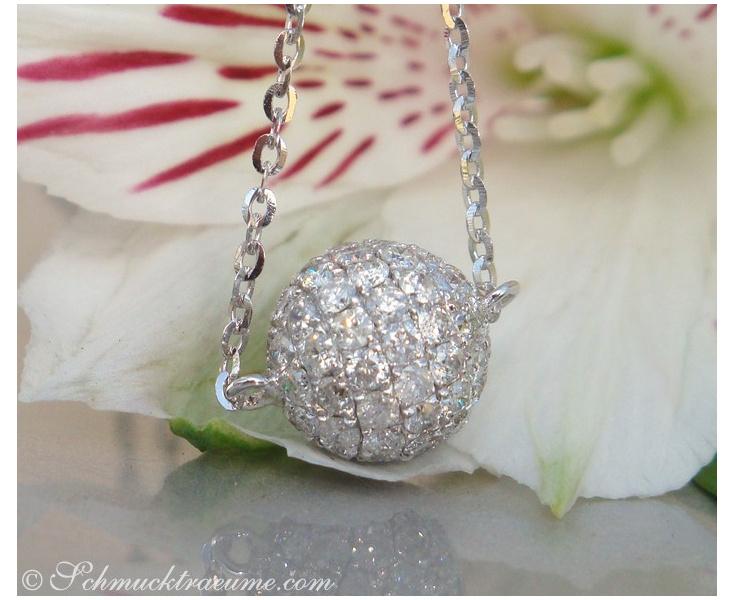 Precious Diamond Pavé Ball incl. Chain