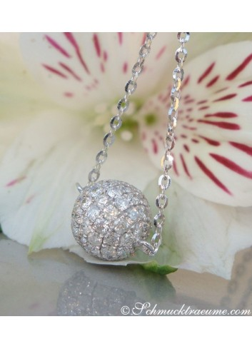 Precious Diamond Pavé Ball incl. Chain