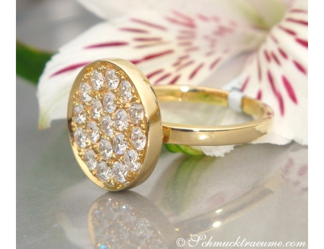 Unusual Diamond Ring in Yellow gold