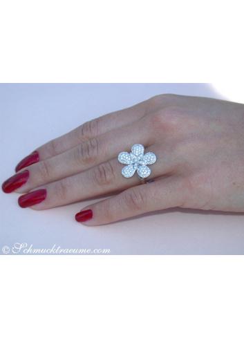 Feminine Diamond Flower Ring