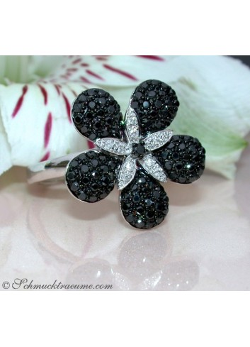 Pretty Black & White Diamond Flower Ring