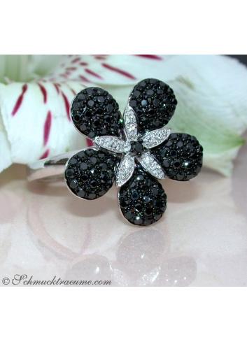 Blumen Ring mit Brillanten & schwarzen Diamanten