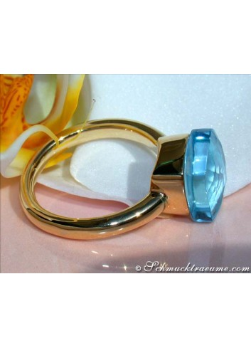 Pretty Blue Topaz Ring
