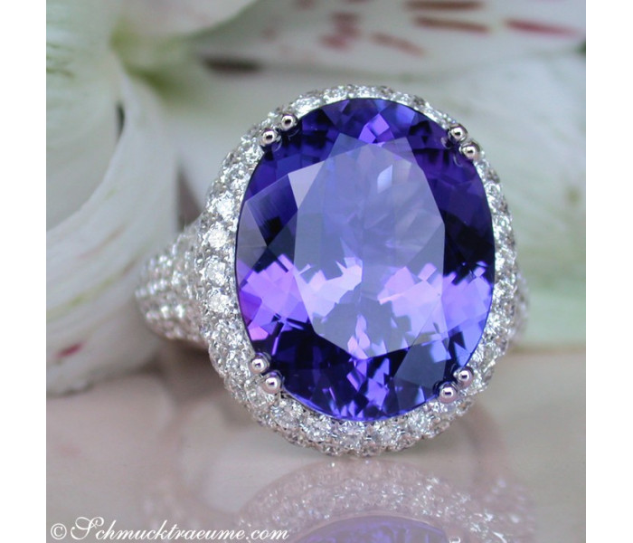 Top AAA Tanzanite Ring with Diamonds