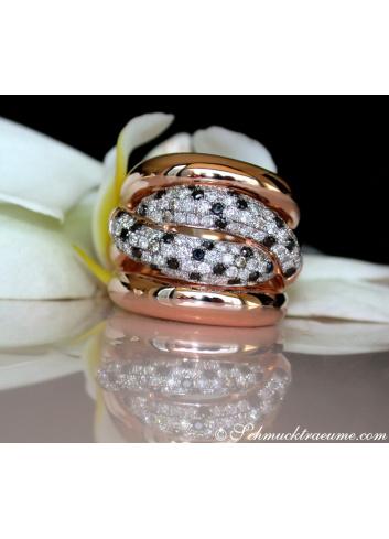 Ring mit schwarzen Diamanten