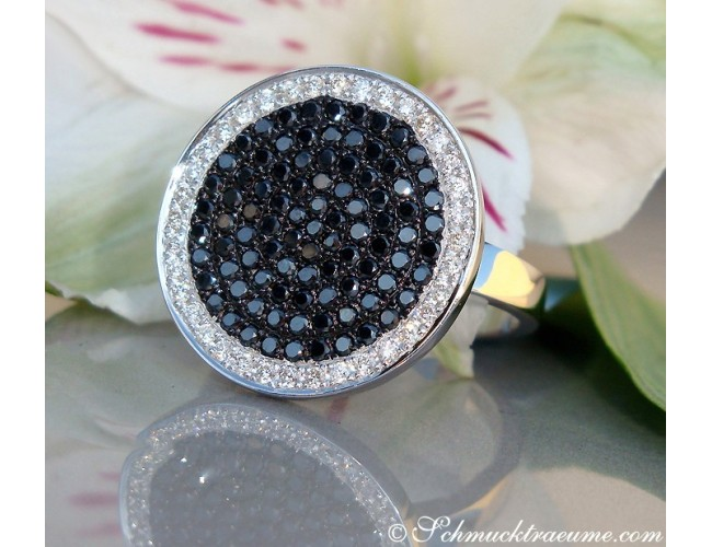 Elegant diamonds & black diamond ring