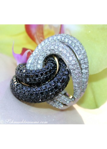 High-end Black & White Diamond Ring