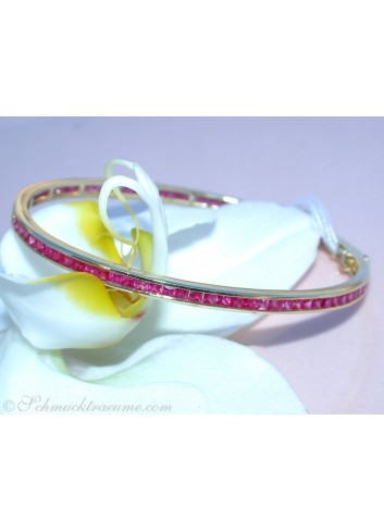 Pretty Ruby Bangle