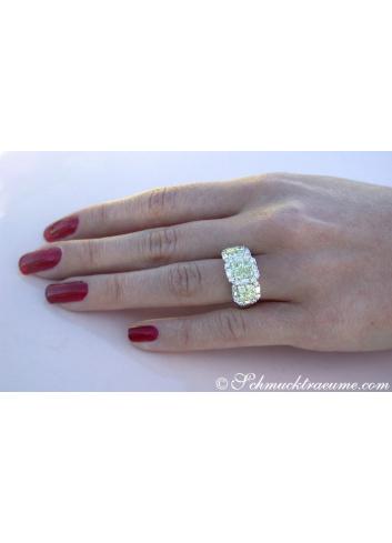 Luxurious yellow & white diamond ring