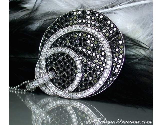 Modifiable Black & White Diamond Pendant