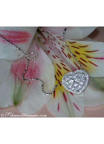 Elegant Diamond Heart Pendant incl. Chain