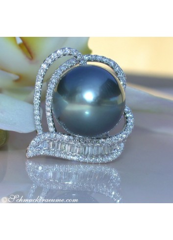 Magnificent Tahitian Pearl Diamond Heart Ring