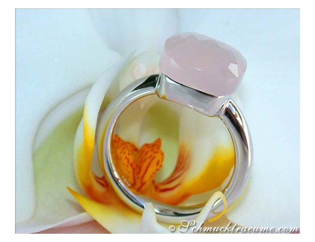 Pretty Rose Quartz Ring