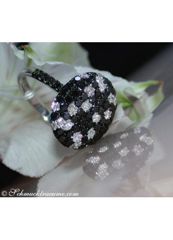 Fancy diamonds ring with black diamonds