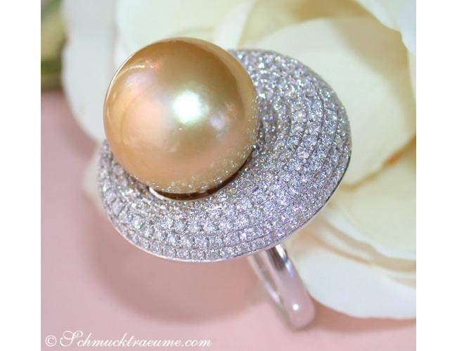 Brillanten Ring mit goldener Südseeperle