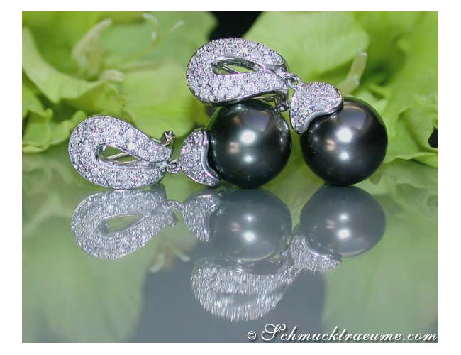 Timeless Tahitian Pearl Earrings with Diamonds