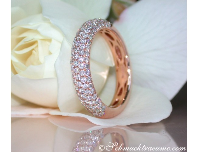Picture Perfect Diamond Pavé Ring in Rose gold