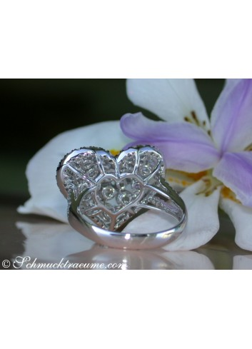 Exquisite Diamond Heart Ring