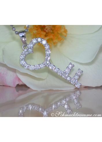 Diamanten Schlüssel Anhänger in Weißgold