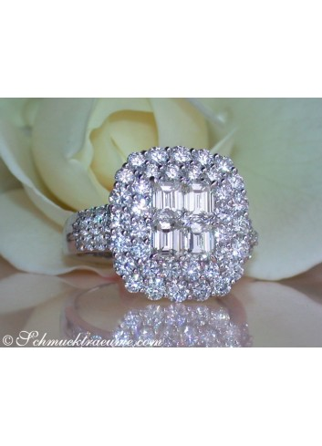 Exquisite Diamond Ring with Flawless Diamonds