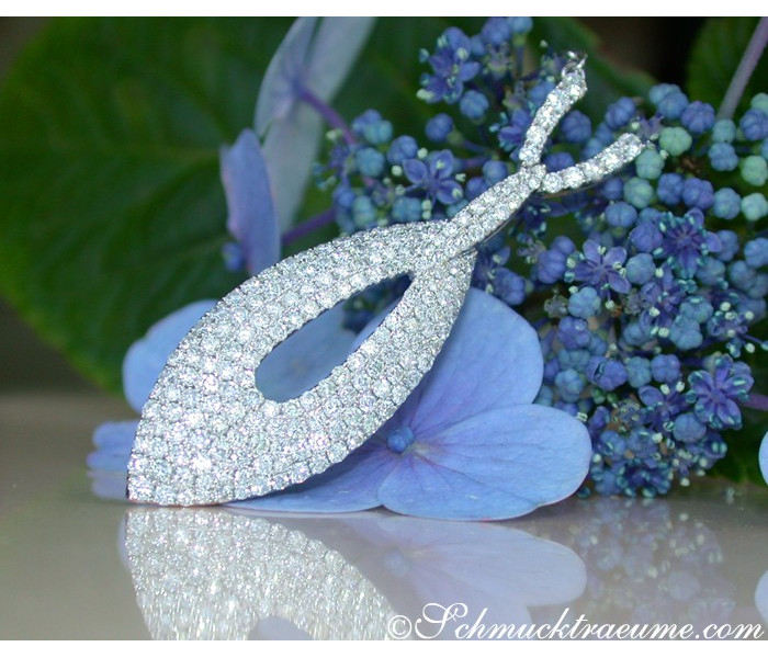 Exquisite Diamond Necklace