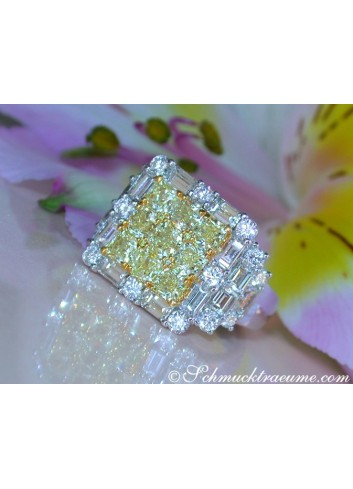 Luxurious White & Yellow Diamond Ring
