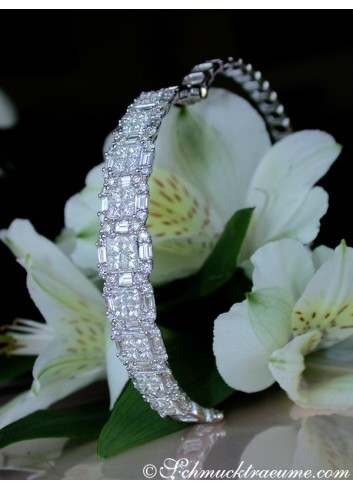 Fabulous Bangle with Brilliant, Princess & Baguette Diamonds