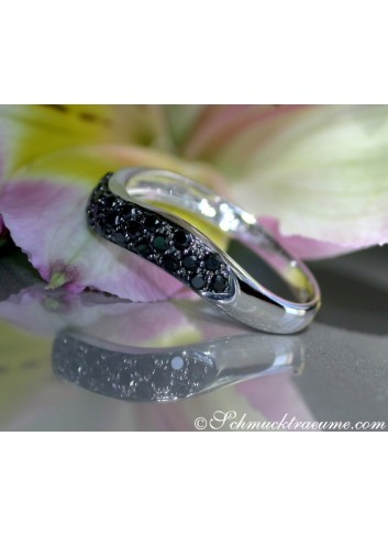 Curved Black Diamond Pavé Ring