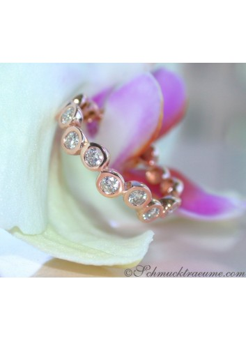 Timeless Diamond Eternity Ring in Rose gold