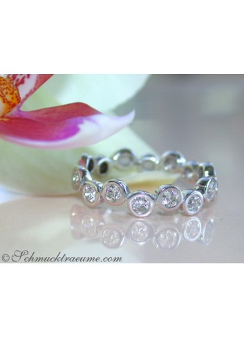 Timeless Diamond Eternity Ring in White gold