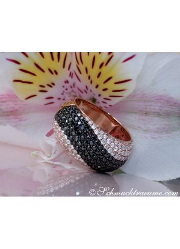 Pavé Ring mit schwarzen Diamanten
