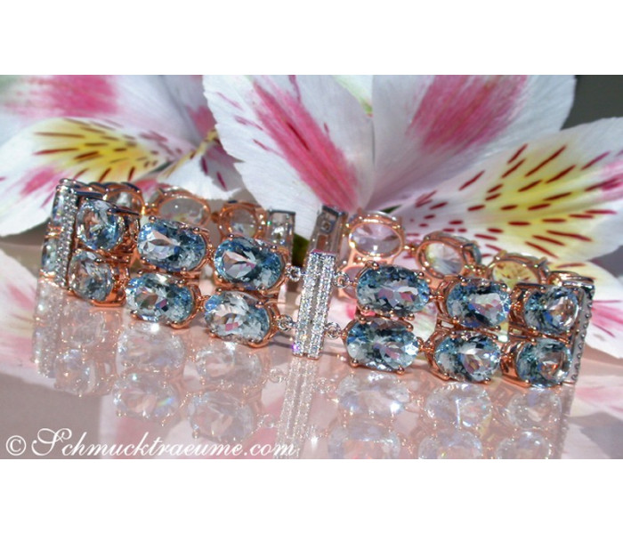 Stately Aquamarine Bracelet with Diamonds
