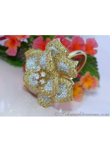 Stately Yellow & White Diamond Flower Style Ring