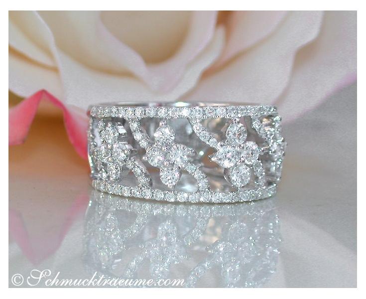 Feminine Blossom Style Diamond Ring