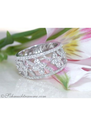 Feminine Blossom Style Diamond Ring