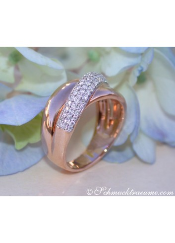 Cross Over Rosegold Ring with Diamonds