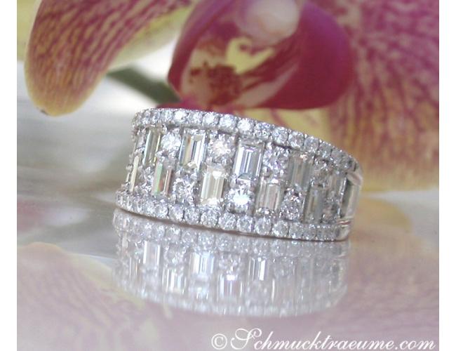 Luxus: Brillanten Band Ring mit Baguette Diamanten