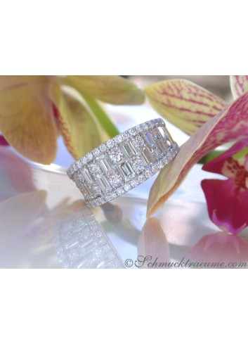 Luxus: Brillanten Band Ring mit Baguette Diamanten