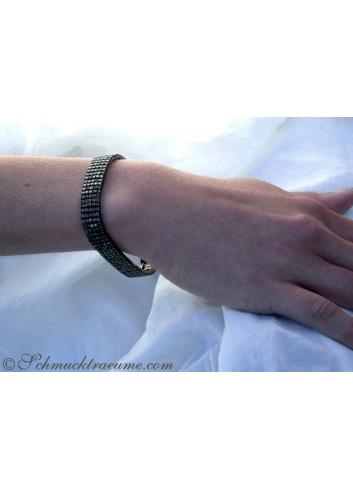 Stattliches Armband mit schwarzen Diamanten