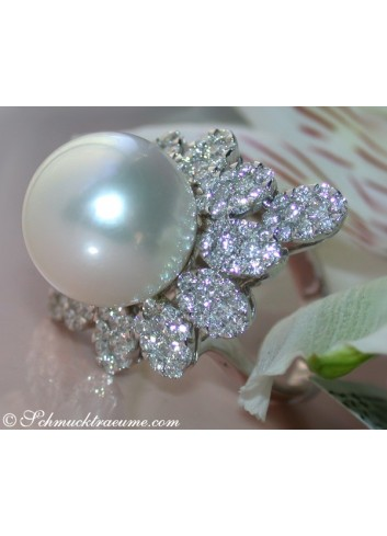 Excellent Southsea Pearl Ring with Diamonds (14 - 15 mm)