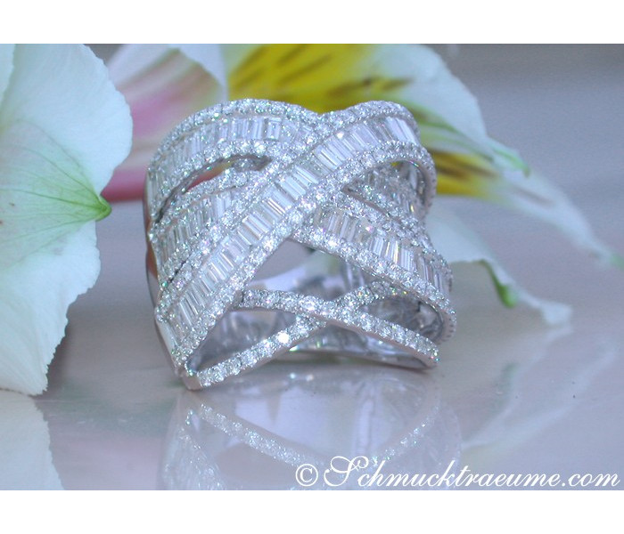 Crossover Diamond Ring with Baguette Diamonds