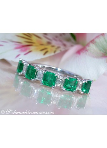 Exquisite Diamond Band with Columbian Emeralds