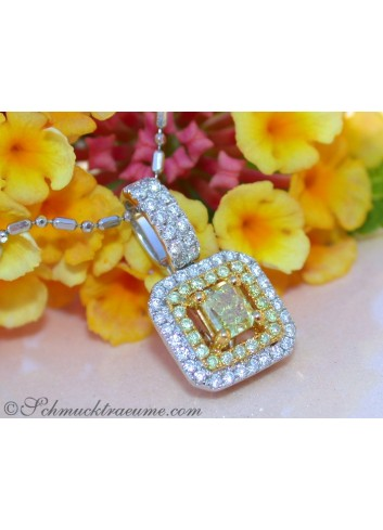 Terrific Yellow & White Diamond Pendant